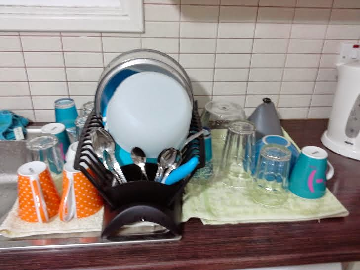 Basic housekeeping tips to make washing the dishes easier and faster - Dish washing tips ...