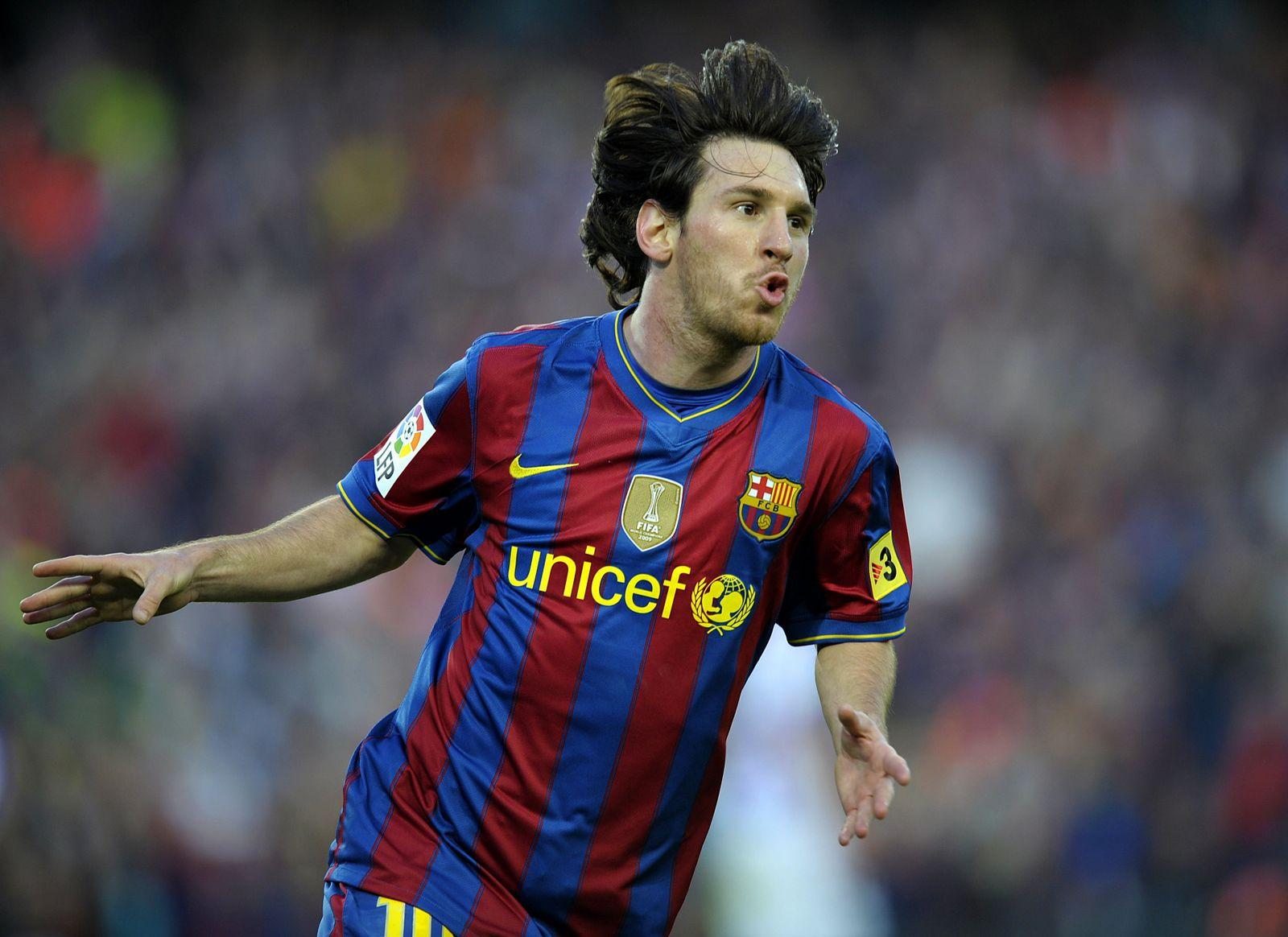 http://4.bp.blogspot.com/-_IpXAT8CmYM/TnCYE6eC0kI/AAAAAAAAAGA/6kf0LtUoz84/s1600/Lionel-Messi-Images.jpg