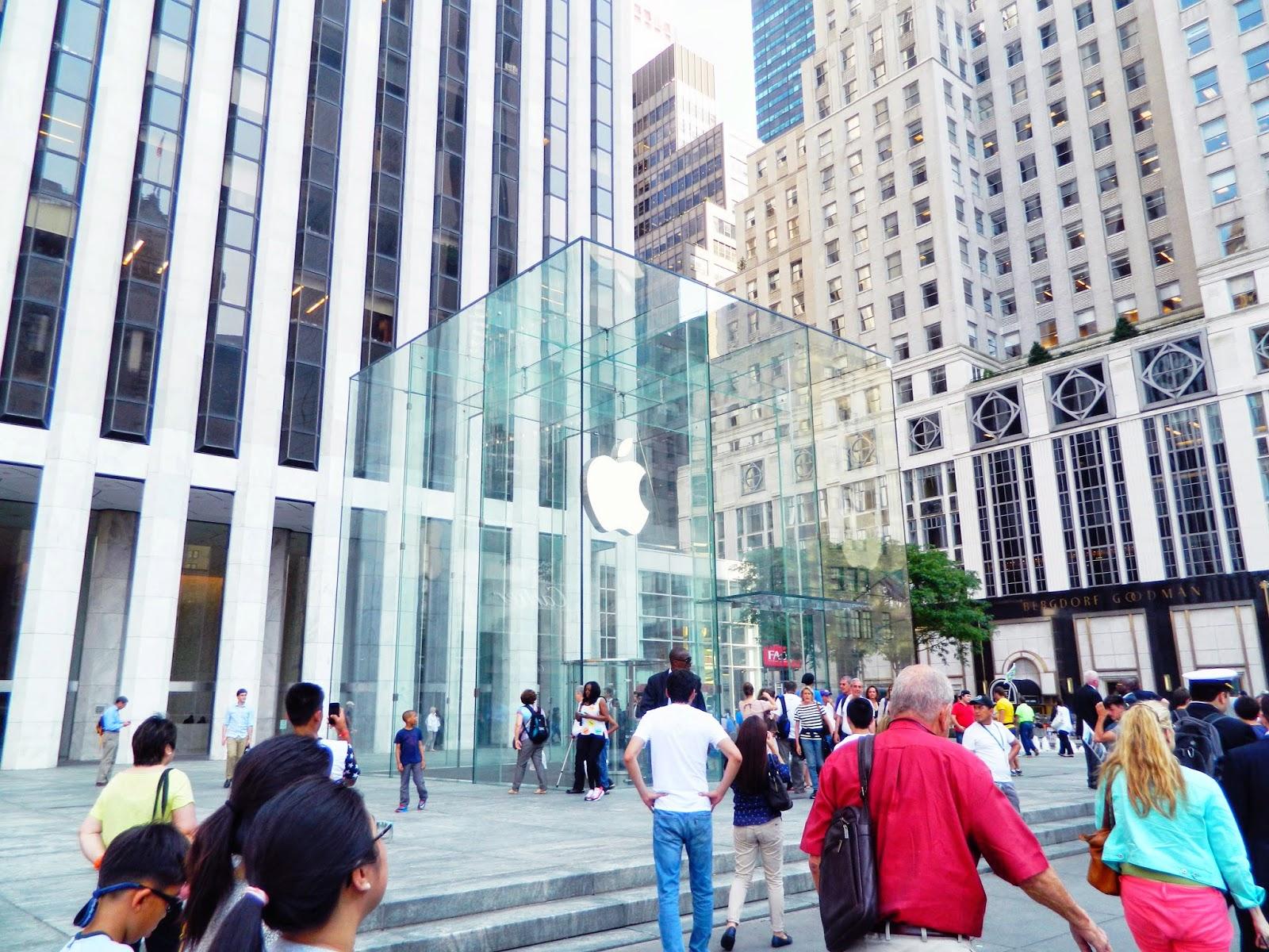 new york city 5th avenue apple cube glass architecture