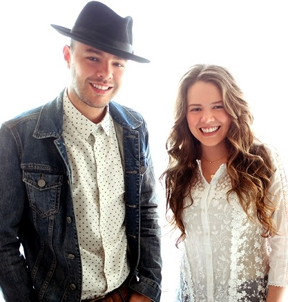 Jesse y Joy bellas estafadores sonrisas