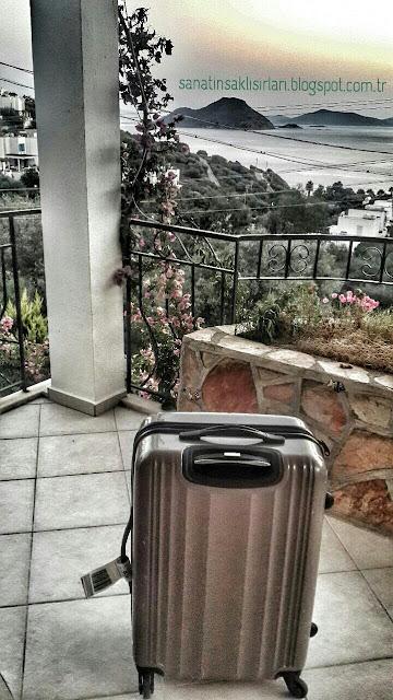 Yaz Tatili İçin Bavulumda Neler Var ? / Seyahat Çantamda Ne var?