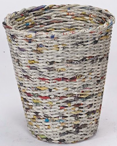 Kerajinan keranjang daur ulang koran bekas