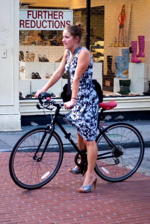 womens southern fashion, Charleston Street style, Fashion on King Street