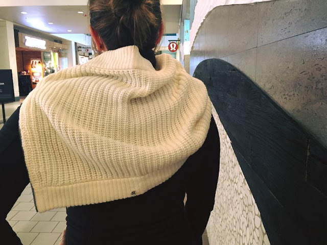 lululemon falling-freely-scarf