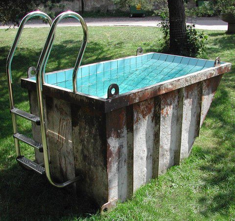 le container chtite piscine low budget pool. Black Bedroom Furniture Sets. Home Design Ideas