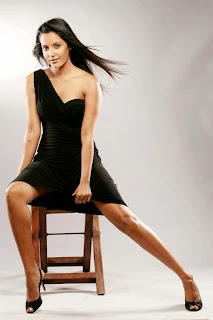 Priya Anand Ten gorgeous HQ Spicy Wallpapers Pics Must See