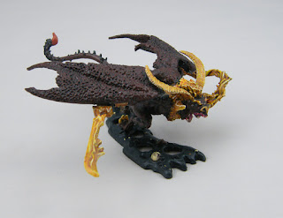 Citadel Miniatures BME-3 Balrog for LOTR - Side view similar to the box art