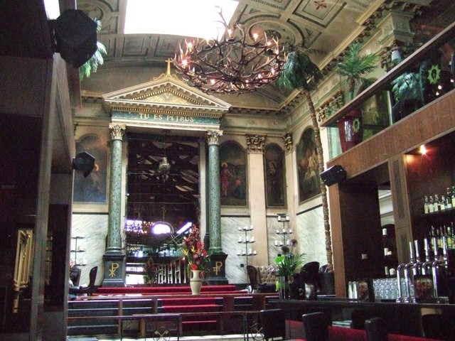 Iglesia reconvertida en Club