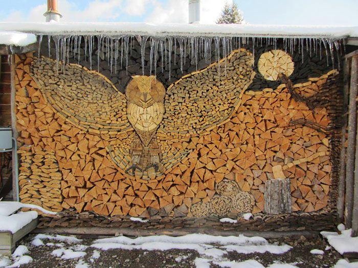 Incluso una pila de leños se puede convertir en arte