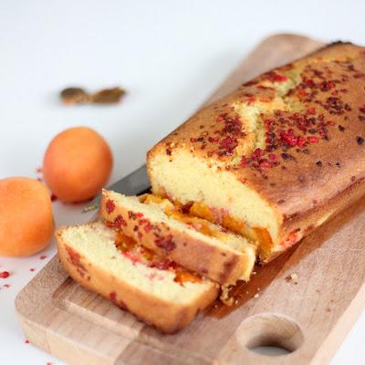 Illustration Gâteau fondant abricots et pralines roses