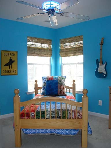 Boy's Surfer Dude Room Ideas. This teen boy's room was only 12'x9' in size ...
