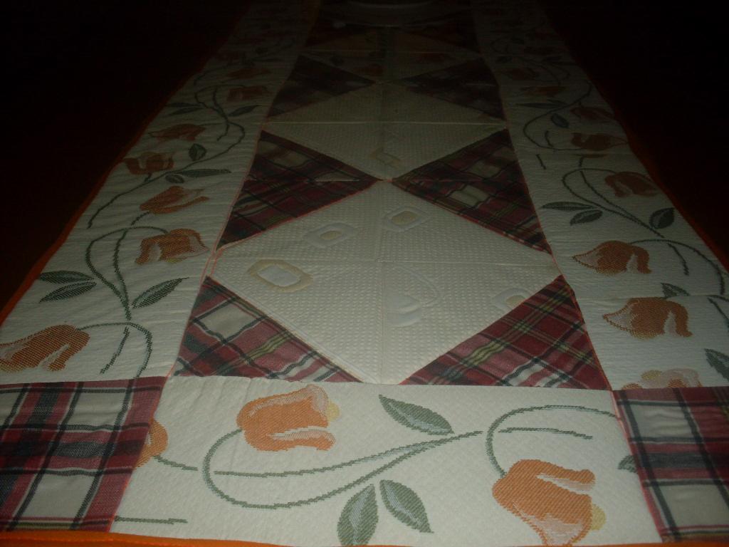 Mary y sus manualidades camino de mesa de patchwork - Camino mesa patchwork ...