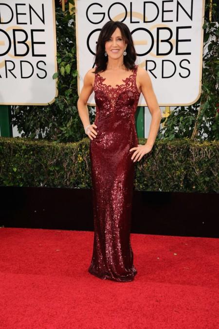 Felicity Huffman vestida de Lorena Sarbu en los Golden Globes, enero 2016