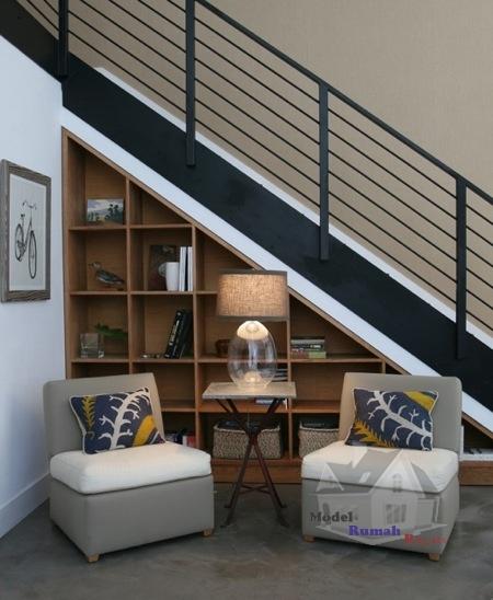 Penataan Ruang Bawah Tangga Secara Publik Desain Rumah