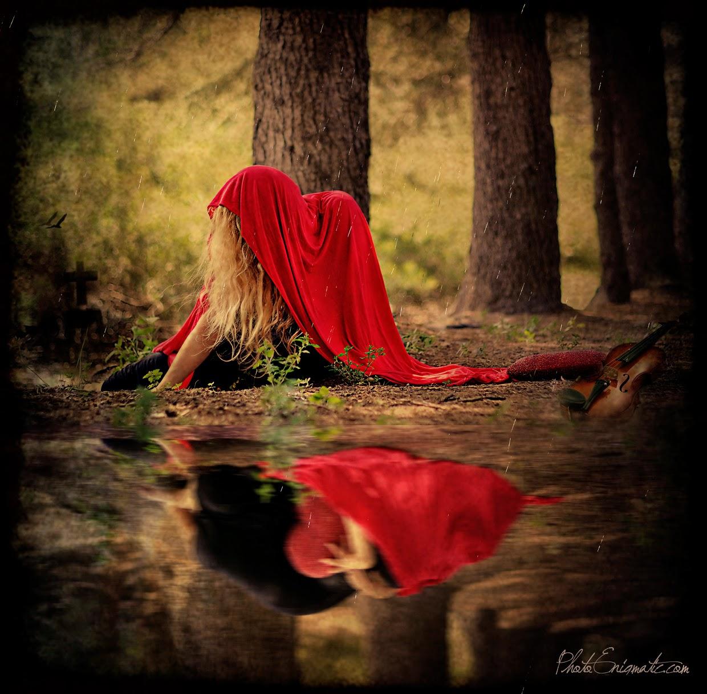 Photo Enigmatic Evelina Pentcheva Orange Country Best Portrait Photographer Fine Art Photography Photo