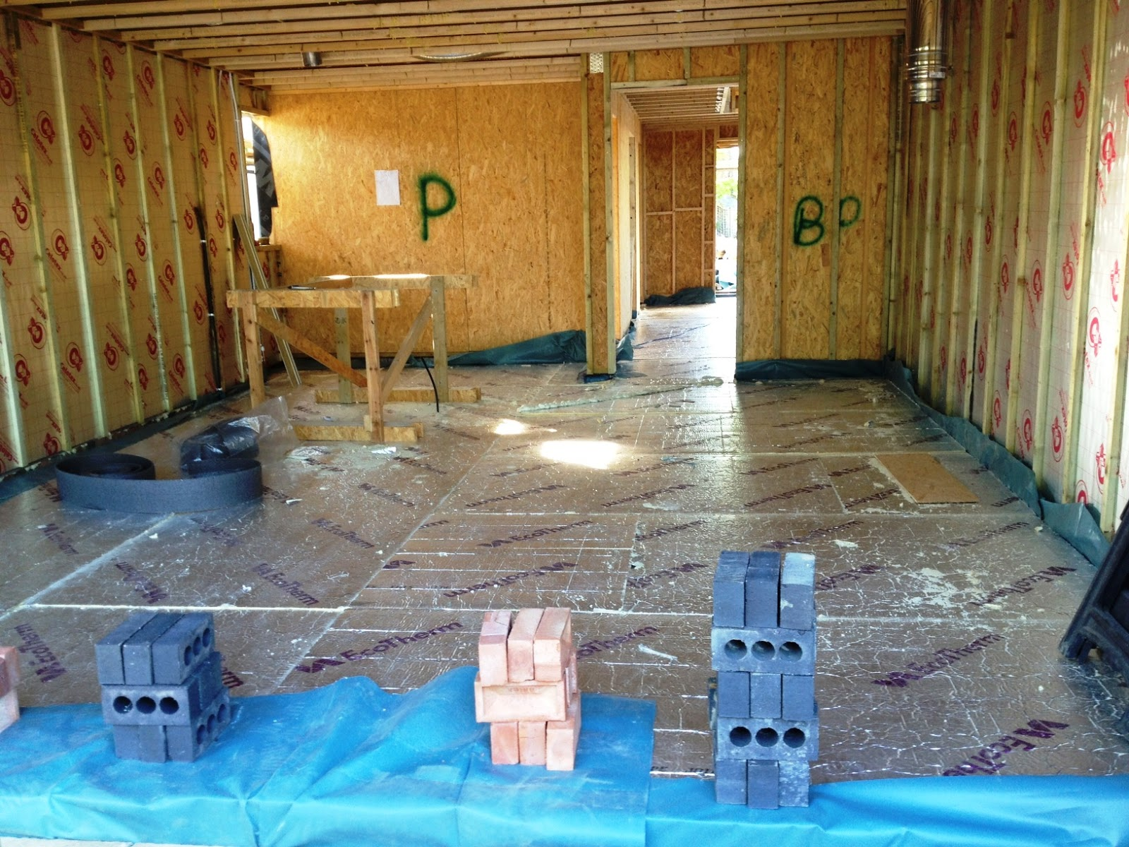 Riseley Eco Cottage 150mm Of Insulaion Goes Down On The