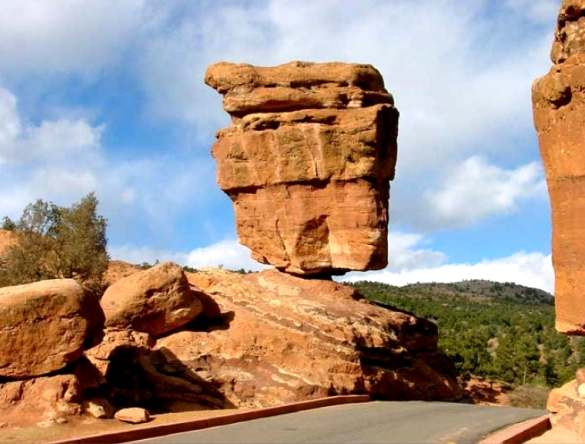 Steamboat Rock, Keseimbangan Batu