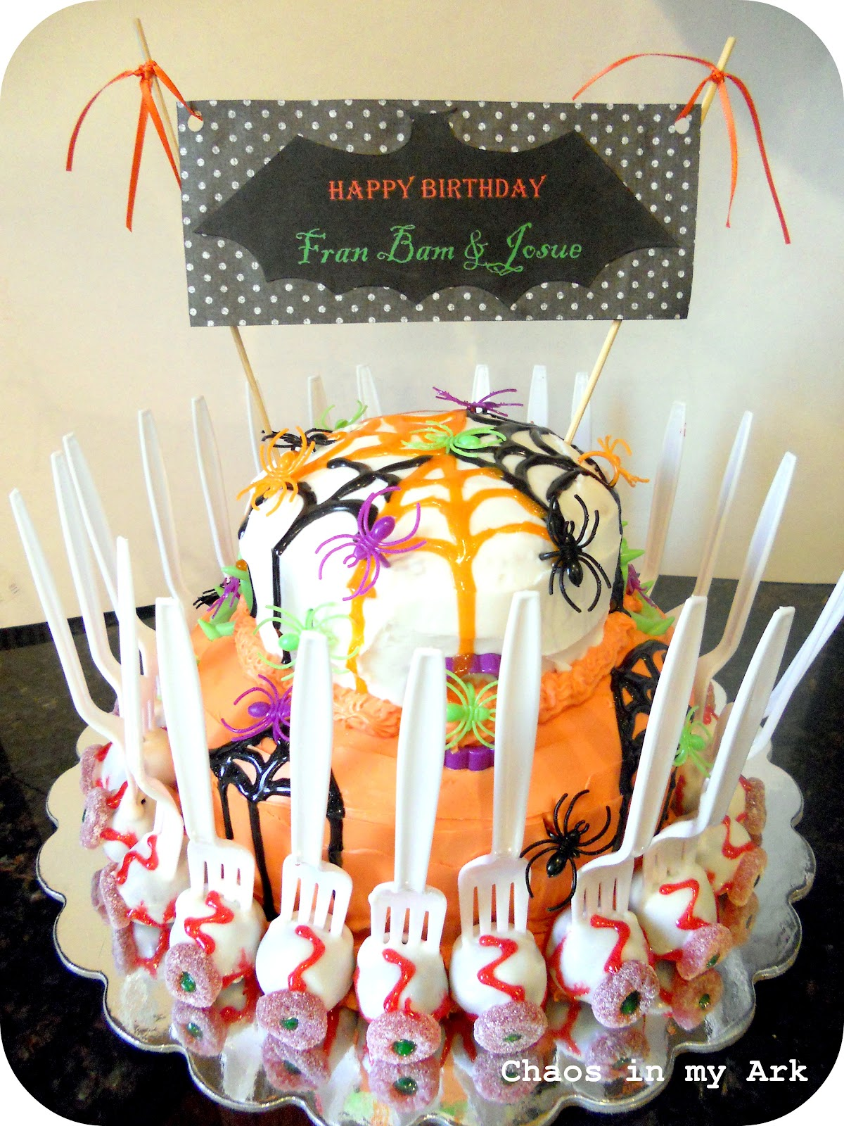 Chaos In My Ark Halloween Cakes Cake Pop Eyeballs And Spiderwebs