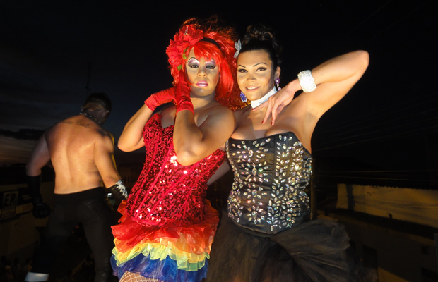 Evento contou com show artístico da cantora Valéria Costa (Foto: Elker Barros/PrideBoyBrazil)