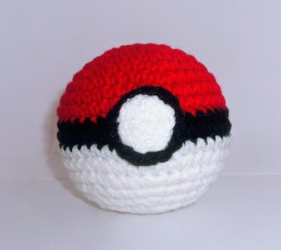 Free Amigurumi Ball Pattern : 2000 Free Amigurumi Patterns: Pokeball