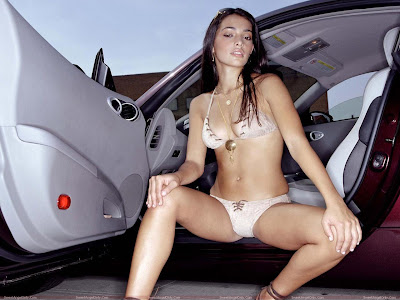 natalie_martinez_lingerie_wallpaper_in_car_www.hotywallpapers.com