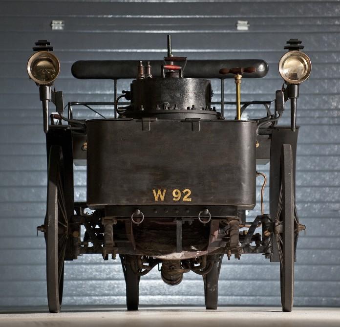 Kereta tertua di dunia yang masih boleh berjalan akan dilelong