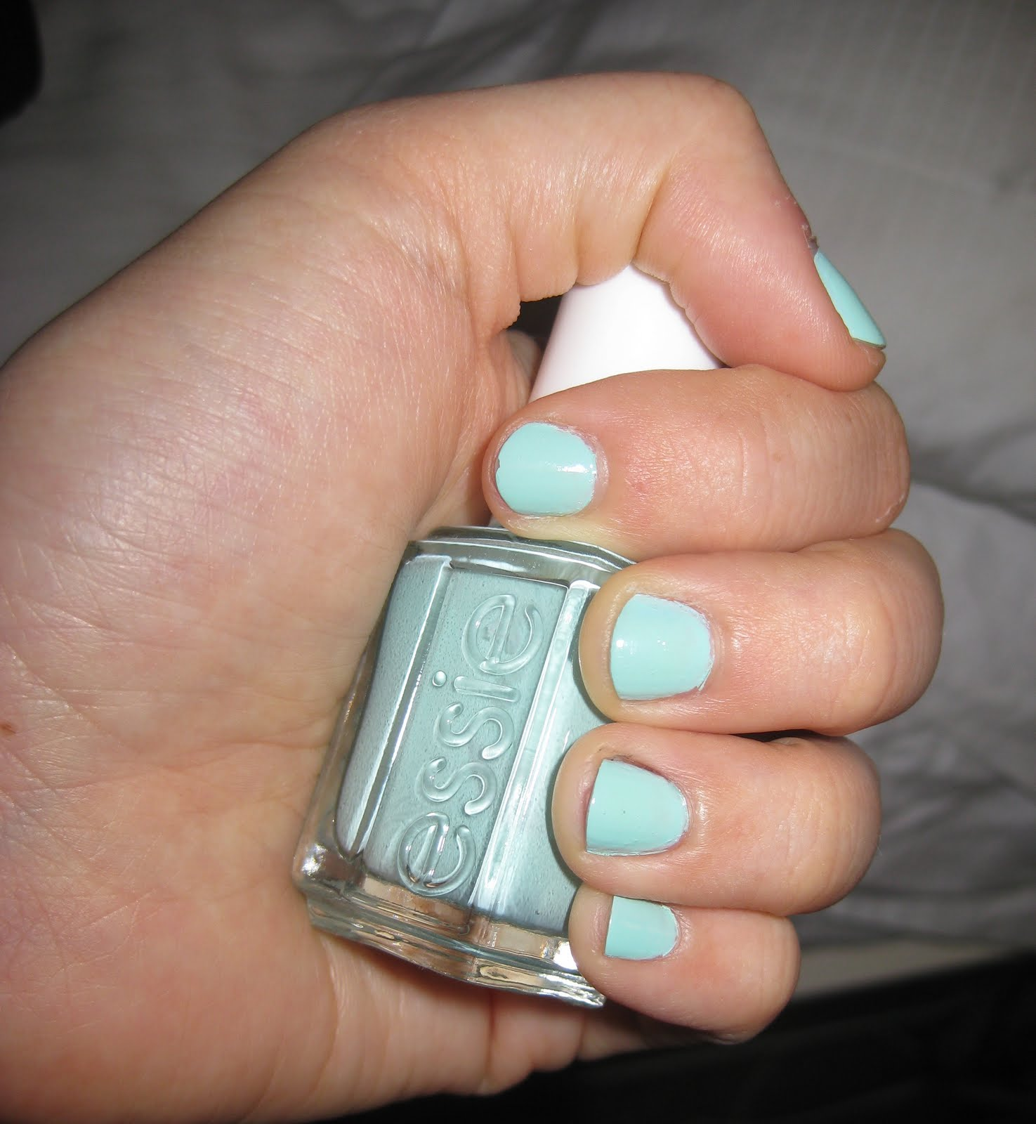 Isabellebasi: Essie Mint Candy Apple Nail Polish