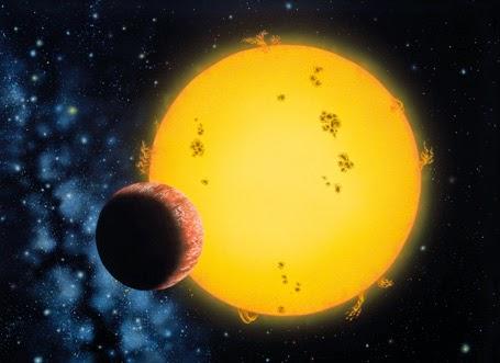 Première analyse de la lumière réfléchie d'une exoplanète