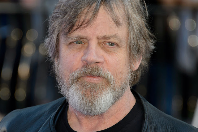 Mark-Hamill-Star-Wars-The-Force-Awakens