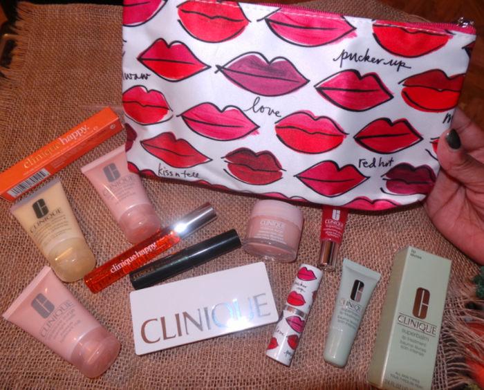 Clinique Kisses Make-up Bag