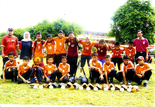 SK Sena 2004 Softball Team