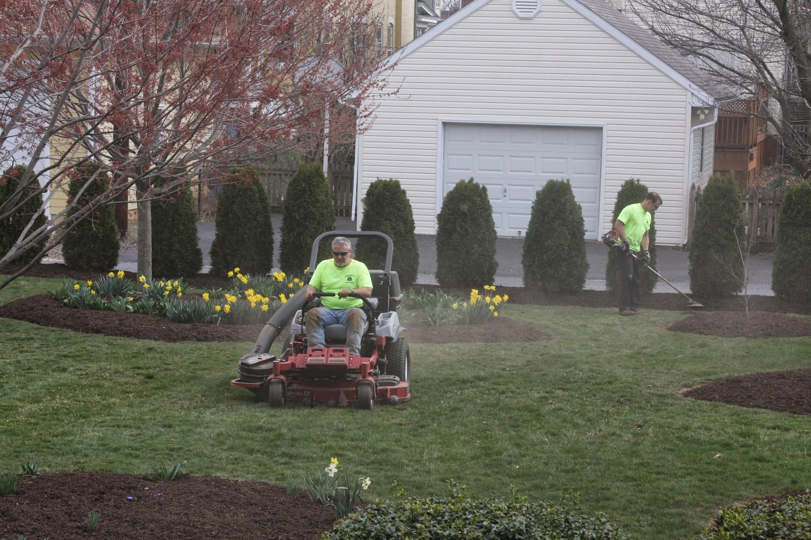 Groshs lawn service why hire a professional lawn for Professional landscaping service