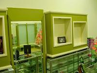 furniture semarang - etalase toko kacamata 13