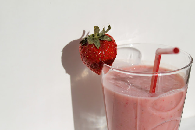 Erdbeer-Buttermilch-Milchshake