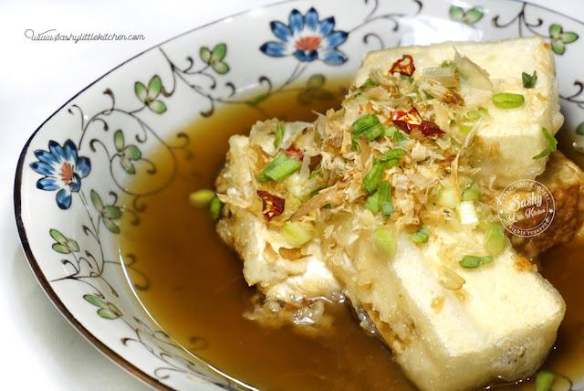 Agedashi Tofu ( 揚げ出し豆腐 )