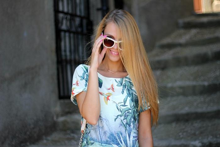green dress, casual, traveling, Mango sunglasses, pastels