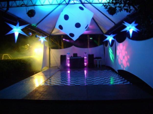 decoracao festa rave : decoracao festa rave: para festas realizadas em chácaras, sítios ou espaços abertos