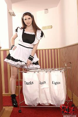 Karina Heart_French Maid_1