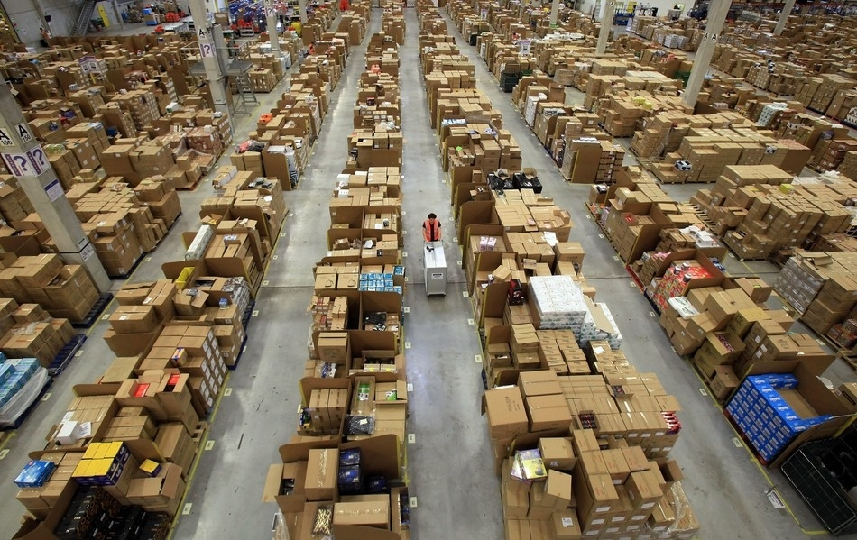 Inside Look Into The Amazon's Warehouse ~ Damn Cool Pictures