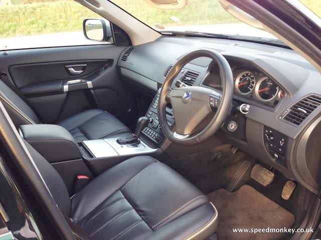 Volvo XC90 SE Lux interior