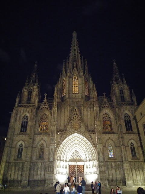gothic quarter cathedral barcelona