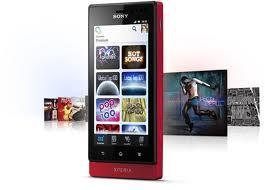 Sony Xperia Sola – Sony Experia Sola dibekali dengan Sistem Operasi Android OS, v2.3 (Gingerbread), dan sony menjanjikan untuk bisa upgrade to v4.0 ICS. Sony Xperia Sola dipersenjatai dengan prosesor Dual-core 1 GHz Cortex-A9, chipset NovaThor U8500 dan GPU Mali-400. Untuk penyimpanan data Sony Xperia Sola  dibekali dengan memori internal 8 GB (5 GB user available), 512 MB RAM dan bisa ditambah dengan memori external hingga 32GB.