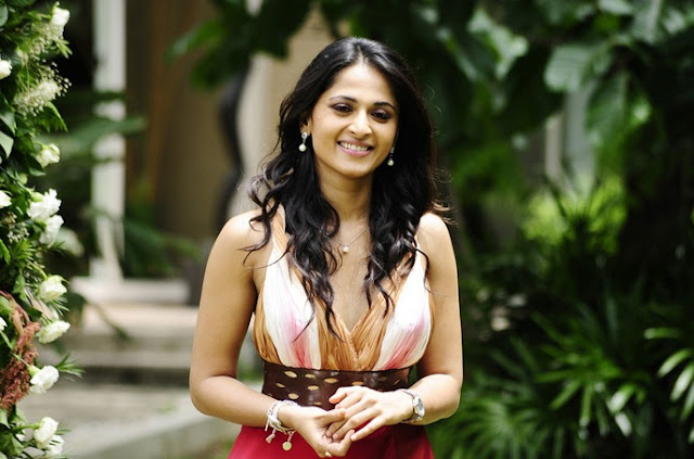 Anushka Shetty Cute Photos