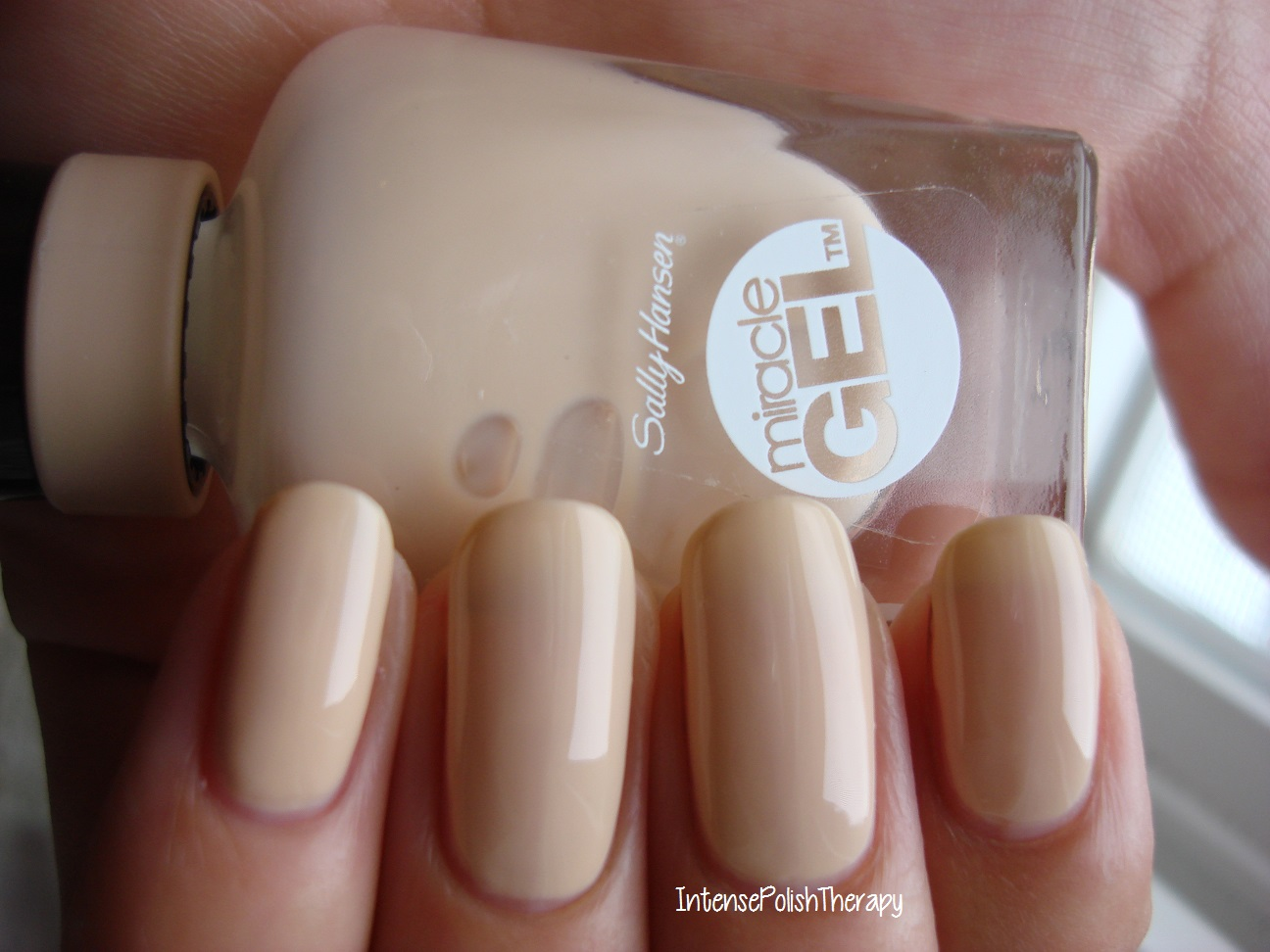Sally Hansen - Bare Dare