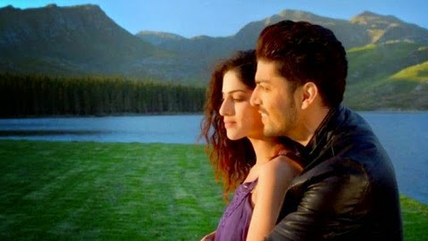 Baatein Ye Kabhi Na (Khamoshiyan) Video Song Download