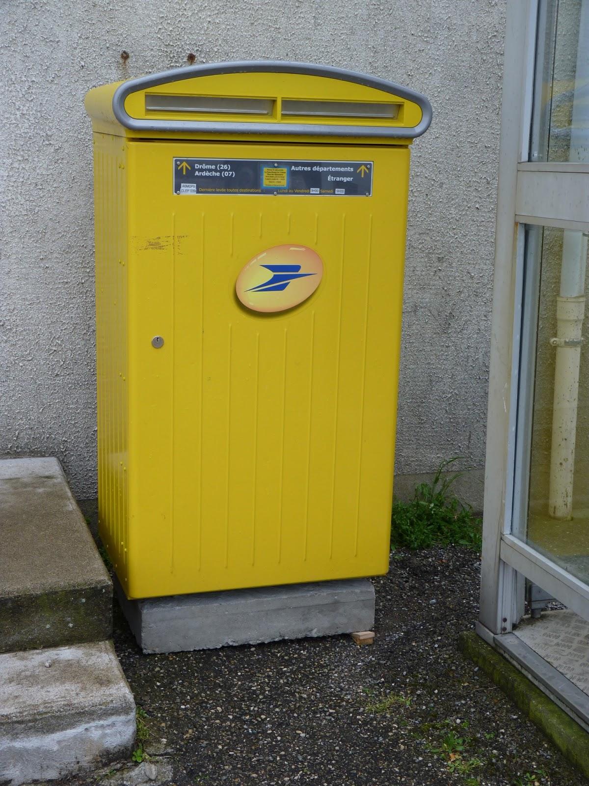 Une boite aux lettres mobile a la poste le blog de st marcel l s valence saint marcel - Boites aux lettres la poste ...