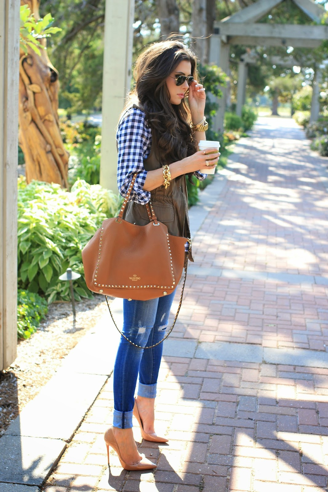 how to style a utility vest, utility vest outfit idea, pinterest fall outfit idea, valentino handbag outfit idea