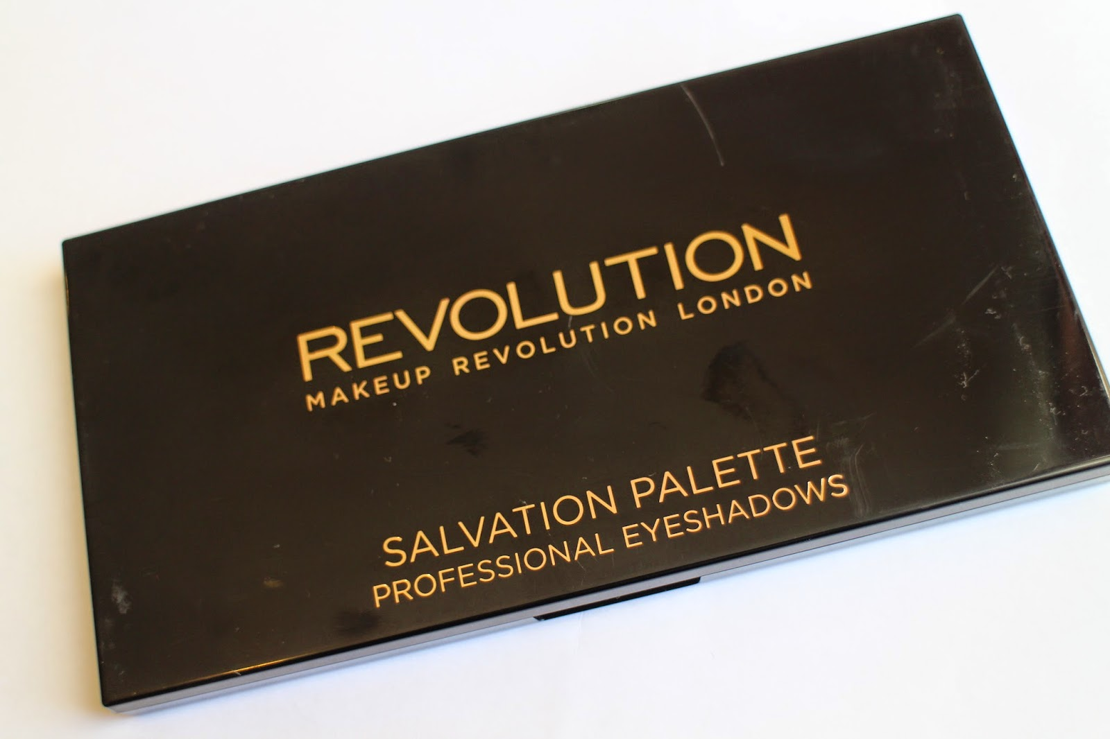 makeup revolution, makeup revolution palette, makeup revolution review, makeup revolution salvation palette review, cheap makeup, best brand makeup, eyeshadow review