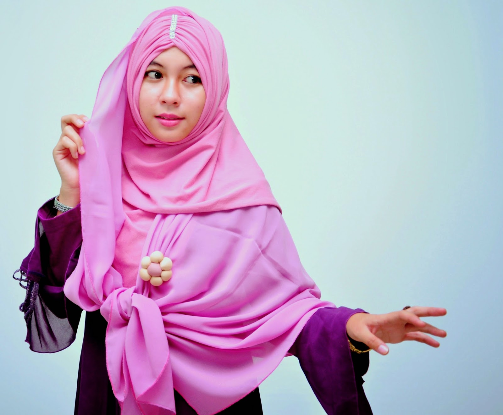 Tips Membeli Pakaian Sesuai Warna Kulit