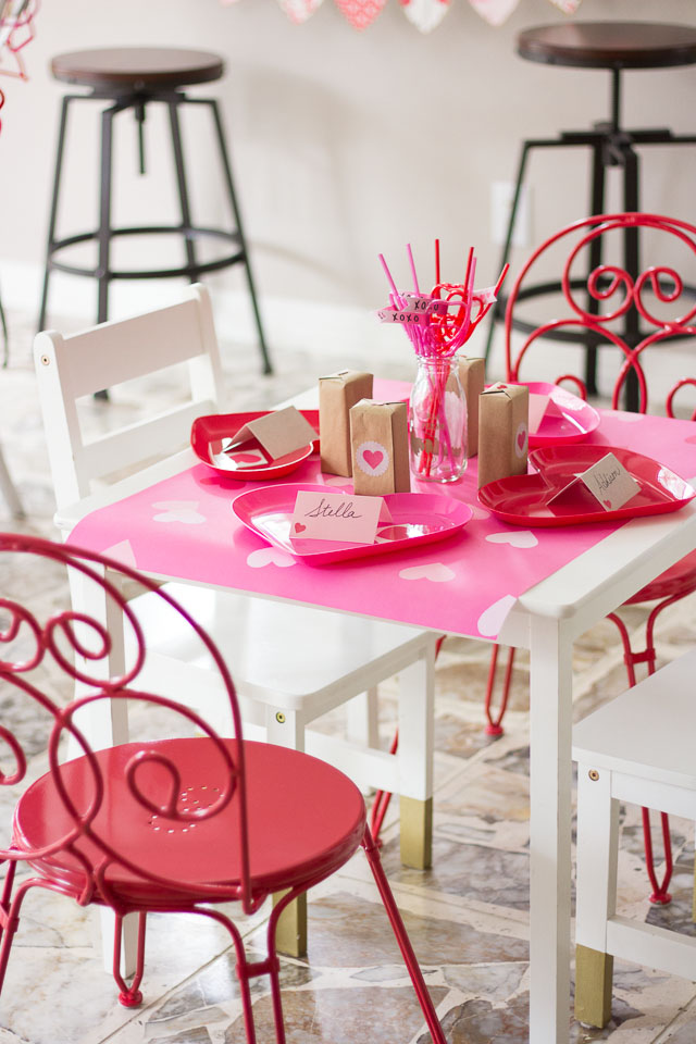 Simple and sweet ideas for a kids' Valentine's Day party!